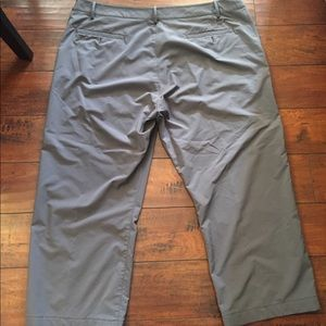 dbe18a0521 Under Armour Pants - Men s 42 Under Armour Gray Golf Pants